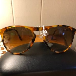 Persol Foldable Brown  Sunglasses New with tags